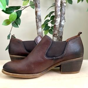 PIKOLINOS Shoes - 🆕Pikolinos Brown Leather Low Heel Booties Size 40